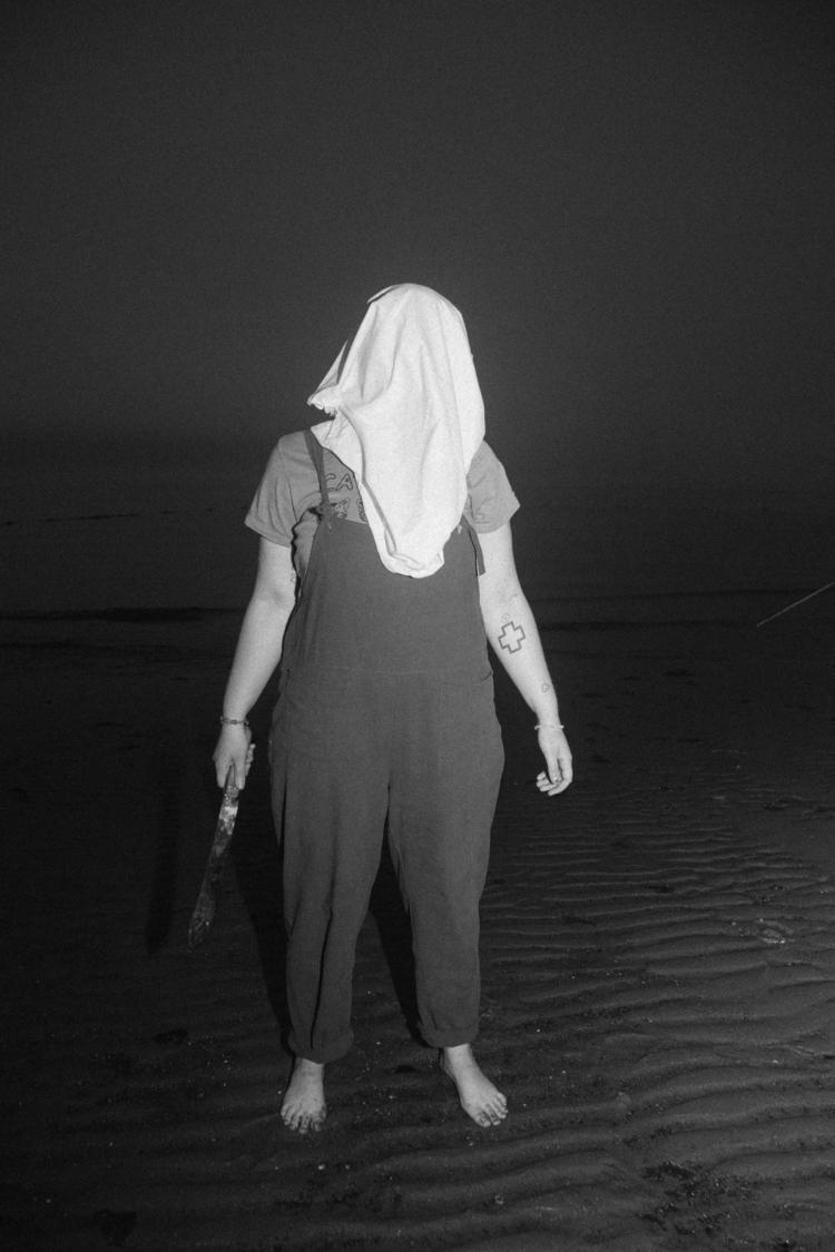 _ R - horror, photography, beach - max_pollak43 | ello