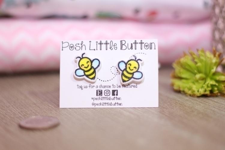 calm bee happy!:honeybee - earrings - poshlittlebutton | ello
