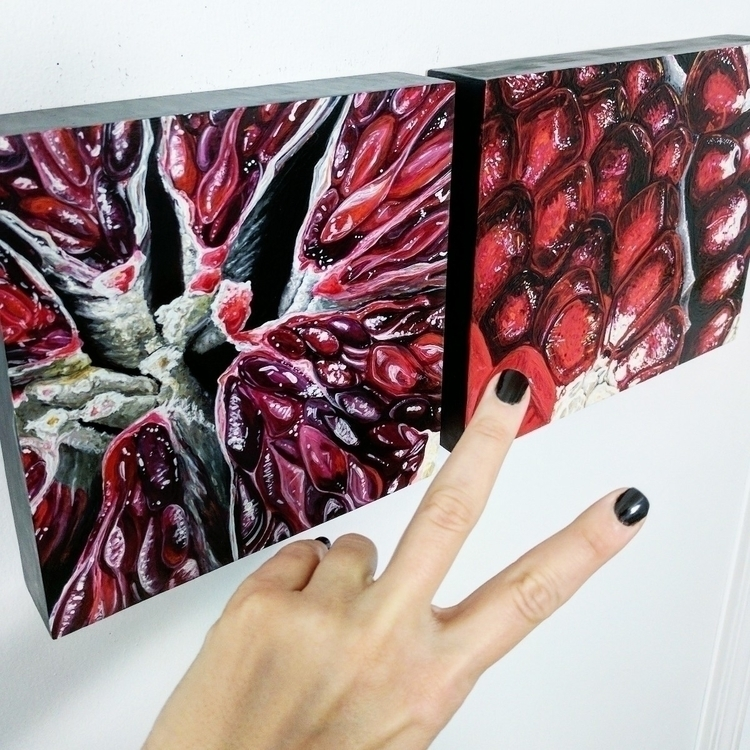 rarely paint nails; gloves chip - angelafaustina | ello