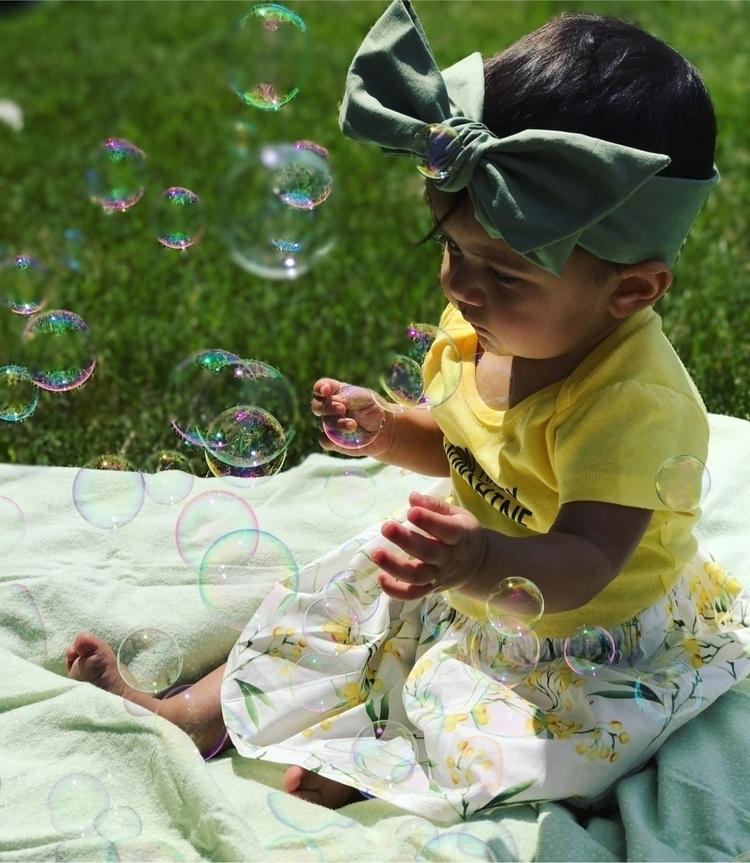 • sunshine bubbles Aubrey rocki - walandelladesigns | ello