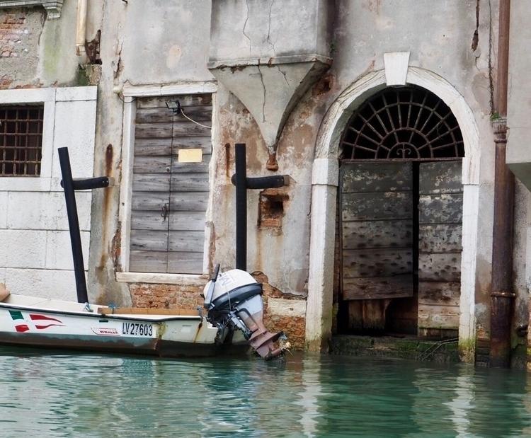 Street shot Venice, Italy. Wood - saipasha | ello
