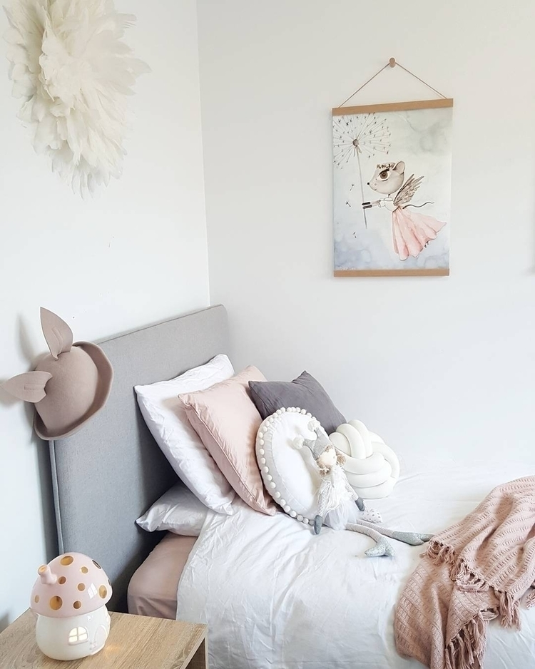 perfectly sized hook hang Poste - interiormotivesaus | ello