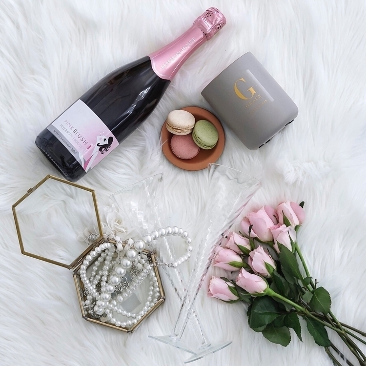 weekend filled bubbles blooms 🥂 - trishevansphotography | ello