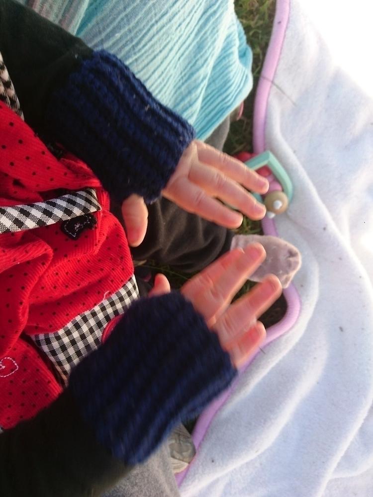 Itty Bitty gloves talented find - el15ew | ello