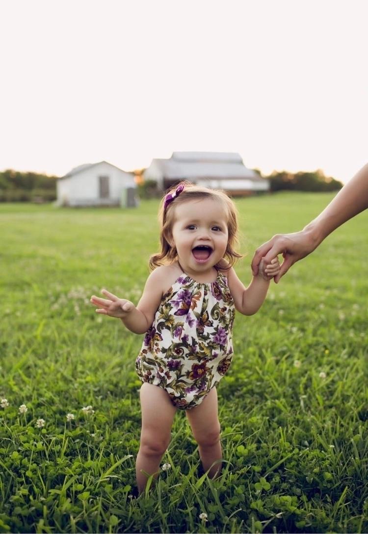 cutie:heart_eyes: adorable Romp - enchantedbeauties | ello