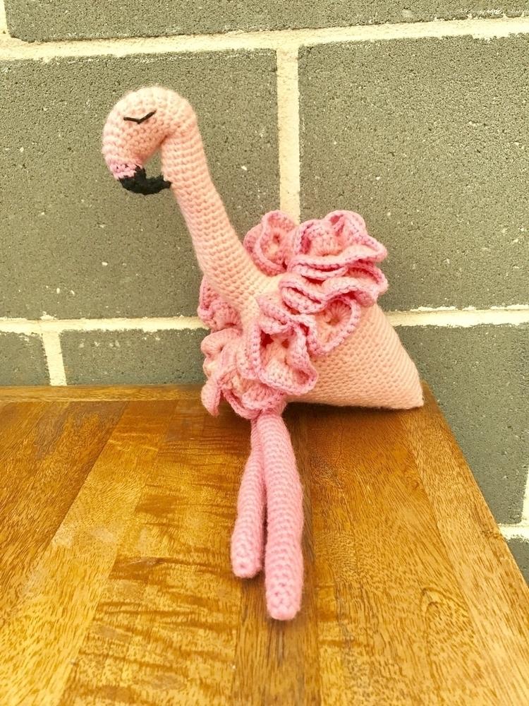 beautiful pink flamingo soo ado - kshandmadelove | ello