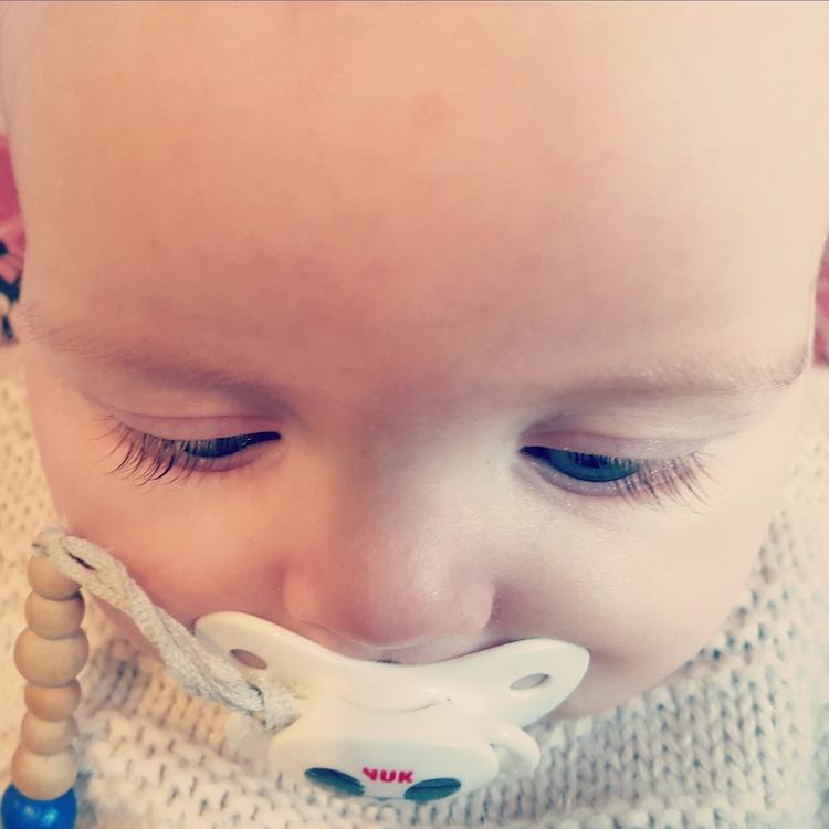Beautiful baby girls lashes! je - phillipa_may | ello