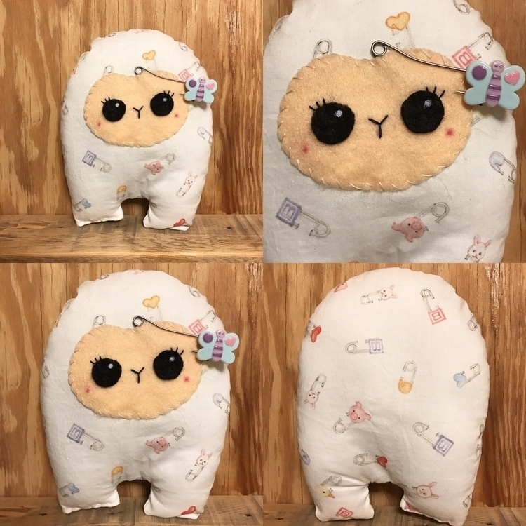 Diaper Pin Huggle shop! mom sug - tykesanimalkingdom | ello