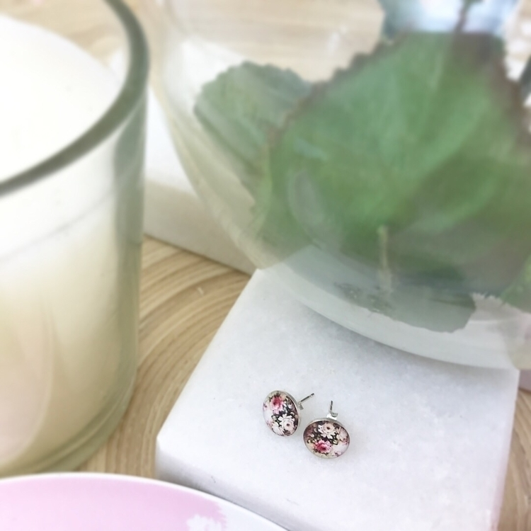 • favourite floral print earrin - kindred_pieces   ello
