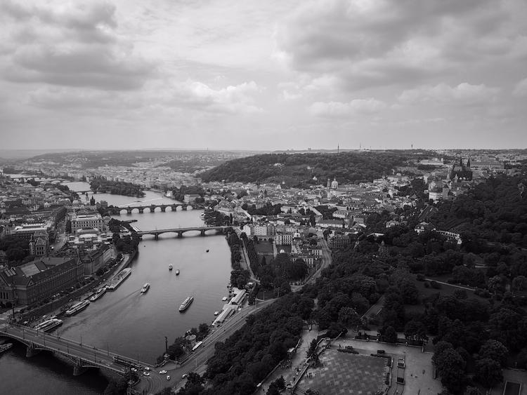 Prague Black White - 2017 - travel - jhollaholla   ello