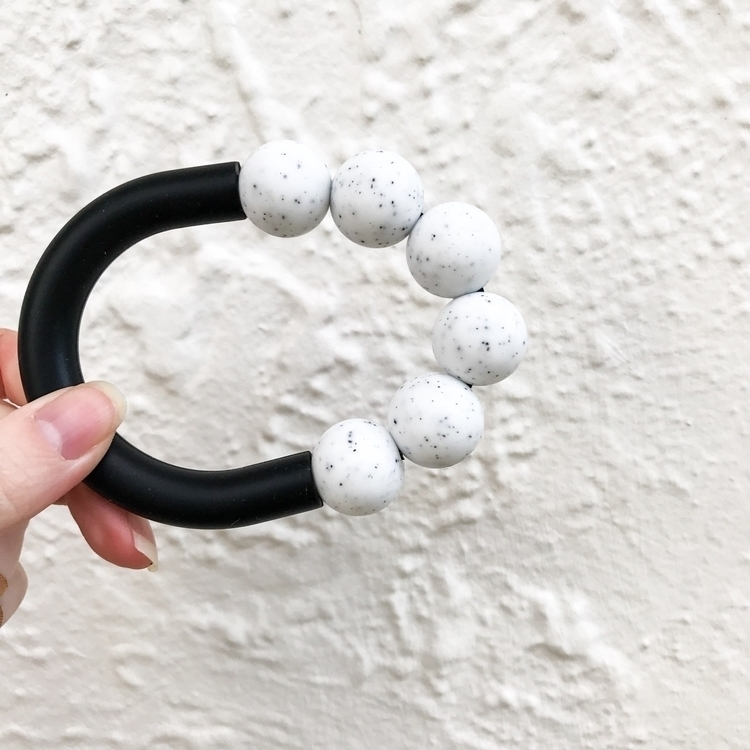 Teething babies hot swollen gum - doveanddovelet | ello