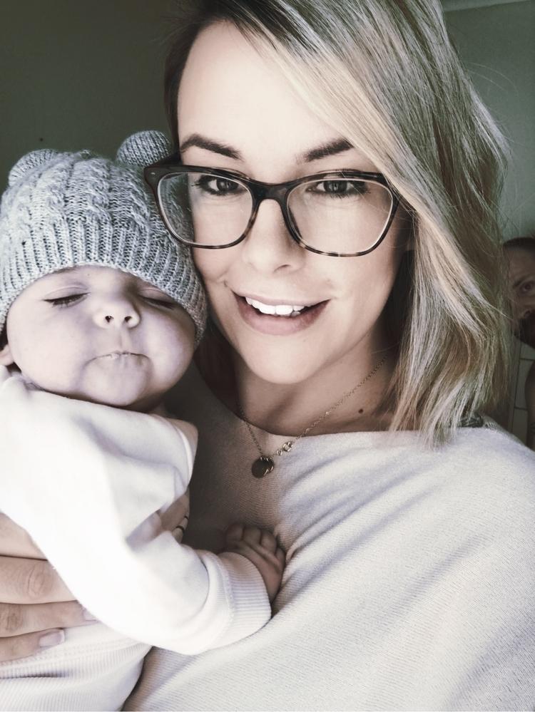 Dad photo bombs selfie 🤳 Arias  - melmarsh | ello