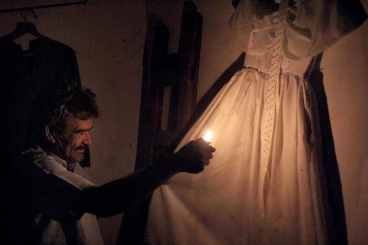 El Vestido Blanco Hugh Holland - hughholland | ello