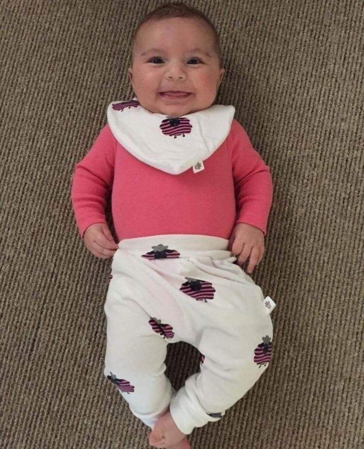 Aww scrumptious smile Zara! abs - littlewombatcrafts | ello