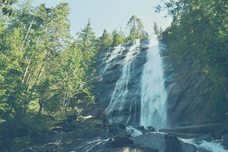 Chasing waterfalls. Bridal Viel - cokes | ello
