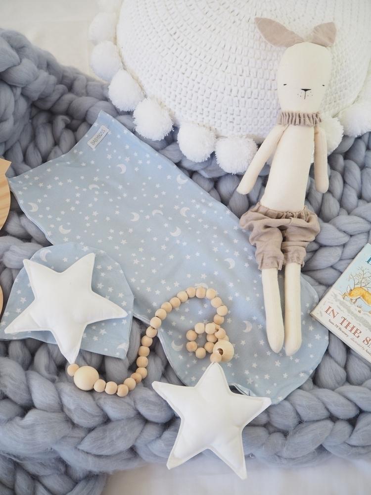 Gorgeous snap star garland  - mysweetlittleroom - mysweetlittleroom | ello