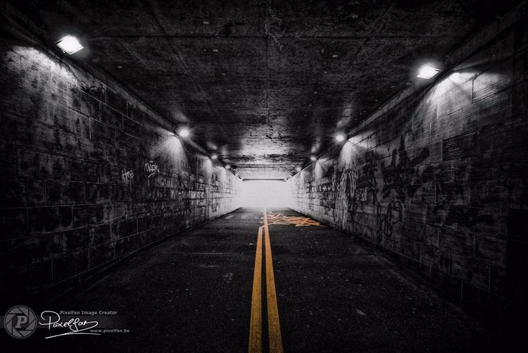 light tunnel. follow line reach - bisje | ello
