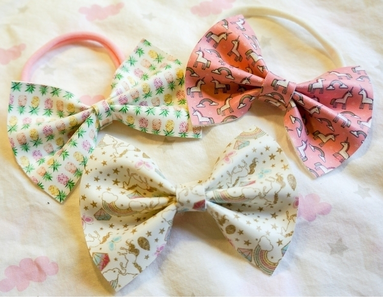 $5.00 quick left!!! nylon headb - rosebabybowtique | ello