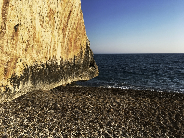 sky, sea, rock, shingle, beach - phil_levene | ello