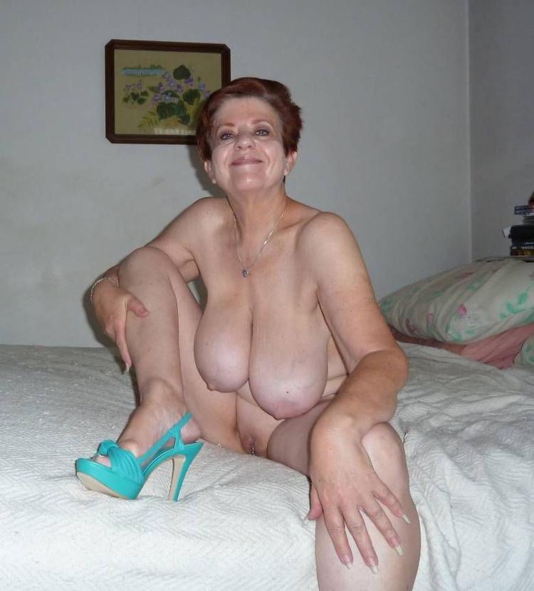 голые старушки домашнее фото впервые созналась