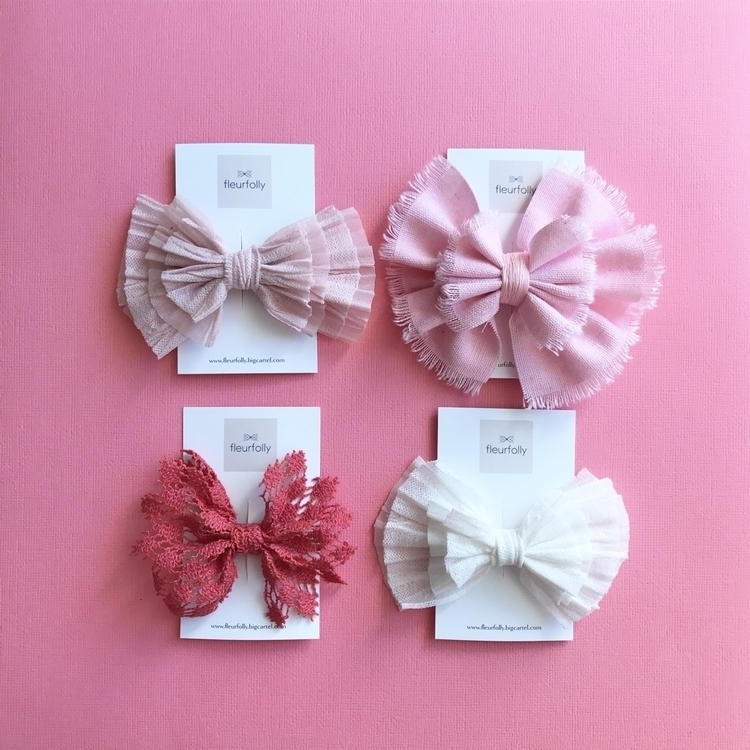 bit quiet hang bows hair clips  - fleurfolly | ello