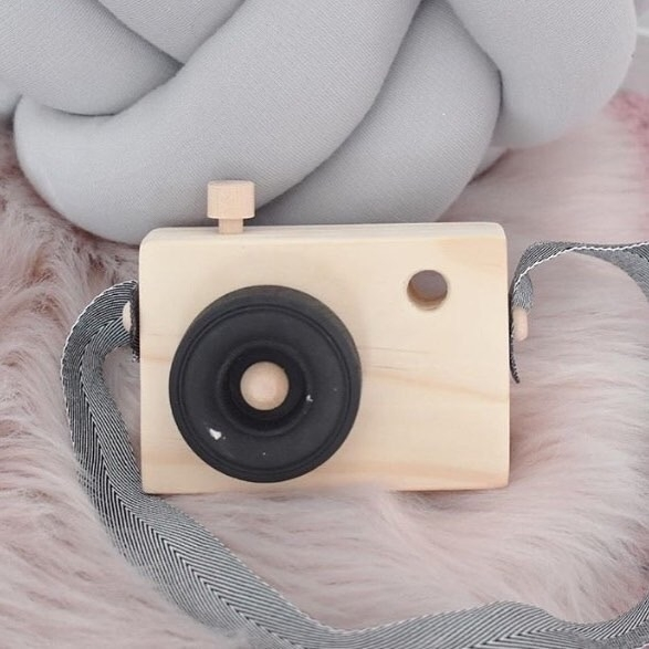 beautiful pic wooden camera, tr - lotsfortotz | ello