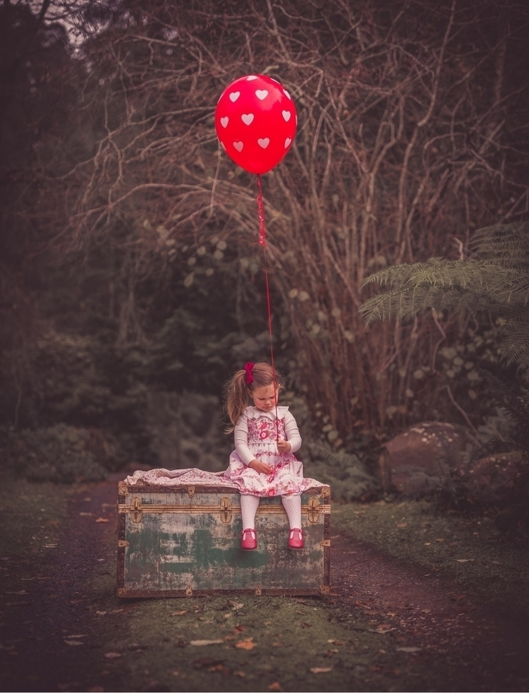 uncheered balloon - Winnie Pooh - acountrytalephotography | ello