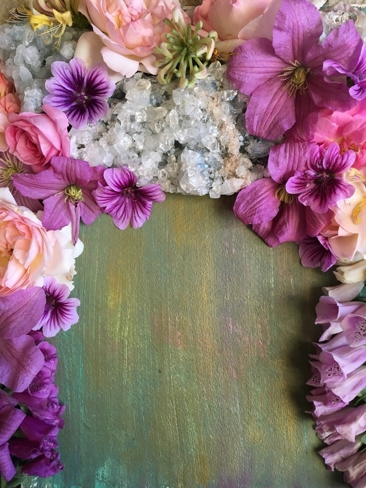 crystals, flowers, pretty - elkemi | ello