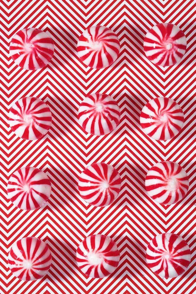 silly! Op art!! crazy - red, stripes - zeren | ello
