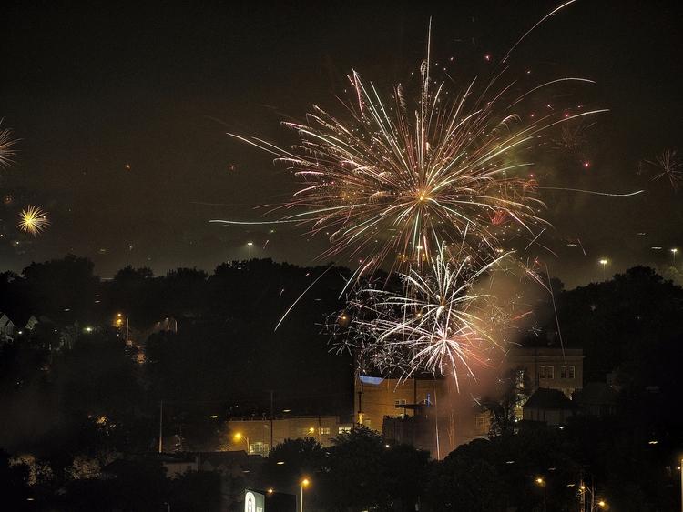 Consumer fireworks - IndependenceDay - bruceruns | ello