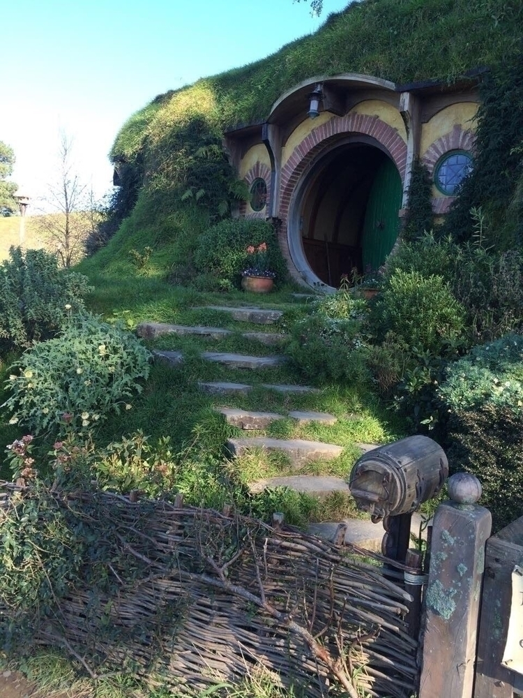 Lilly visited Hobbiton Matamata - fotosnapper | ello
