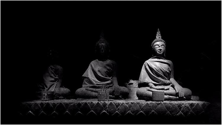 | Present Future - Nirvana#blackandwhite#puthipong#photography#thailand - tangmay10 | ello