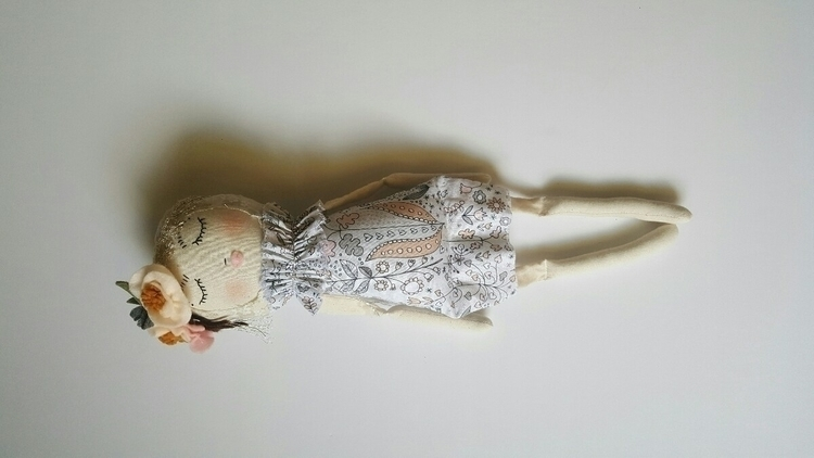 sweetheart Wisp shop patiently  - miabethdolls | ello