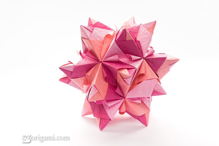 25 Incredible Origami Kusudamas - origamidotme | ello