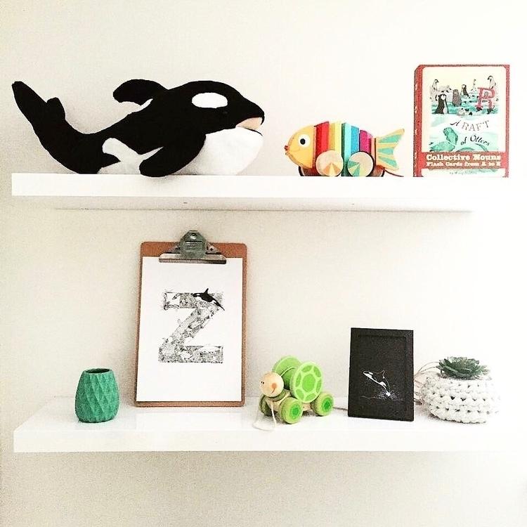 sea' illustrated shelf . quick  - gumdots   ello