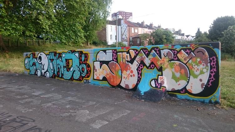 Bristol, Graffiti, Skate_park - the_rush_hour_tourist | ello