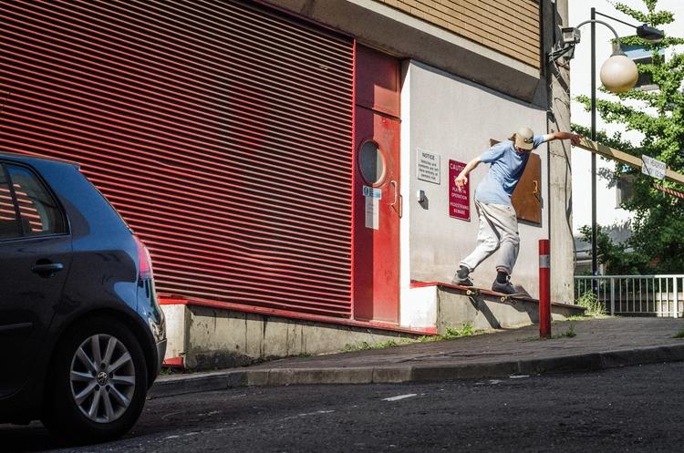 Joe Sivell, tail weeks filming  - scienceskateboards | ello