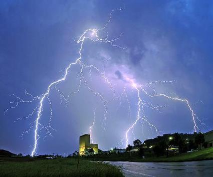 Οι γήινες καταιγίδες δημιουργού - iro81 | ello