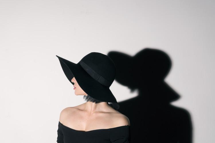 Karina noir-esque shoot - garethwi | ello