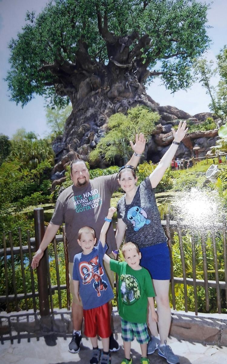 raising Familial Polyposis awar - lifesapolyp | ello