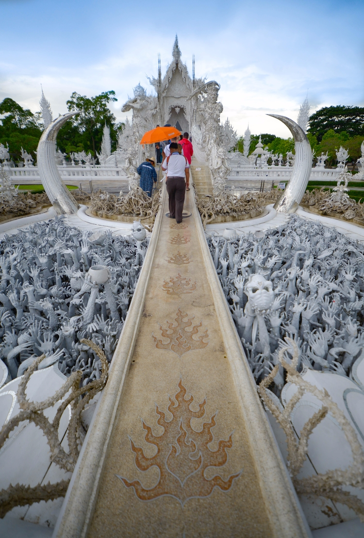 Wat Rong Khun - Chiangrai, Thailand - tangmay10 | ello