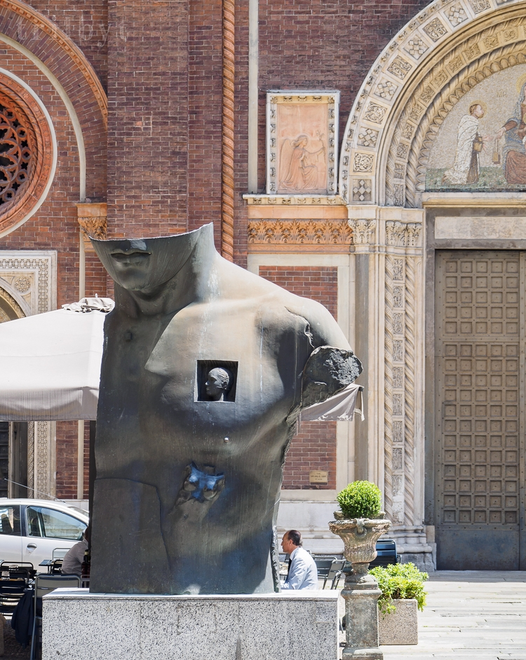 cool sculpture Milan notice loo - trilbyt | ello