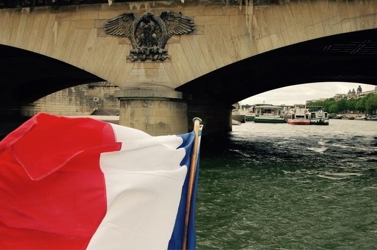 boat - paris, seine - katemoriarty   ello