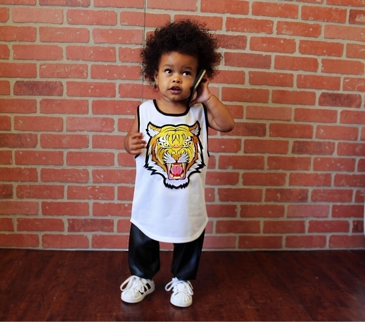Monday. question? quickly? lion - dreamingkids | ello