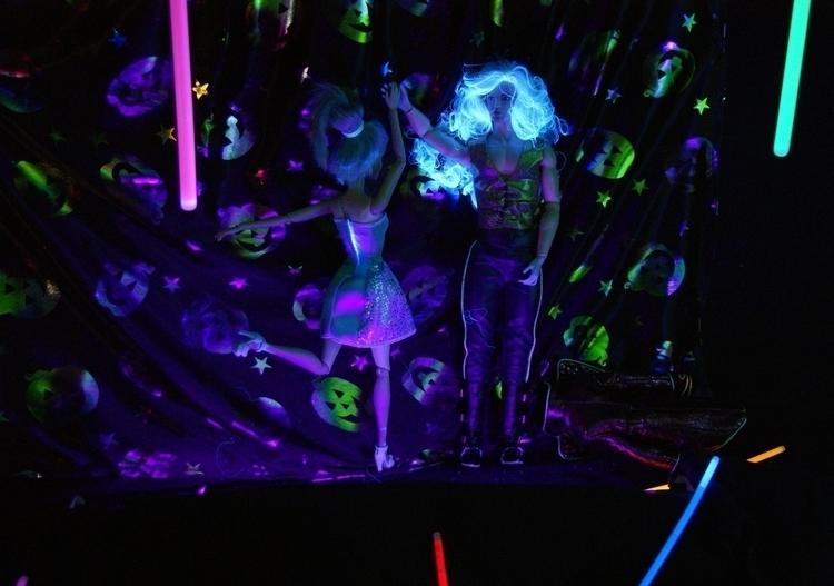 HH - room 5 Dark Room 3 Dancing - arcanecognition | ello