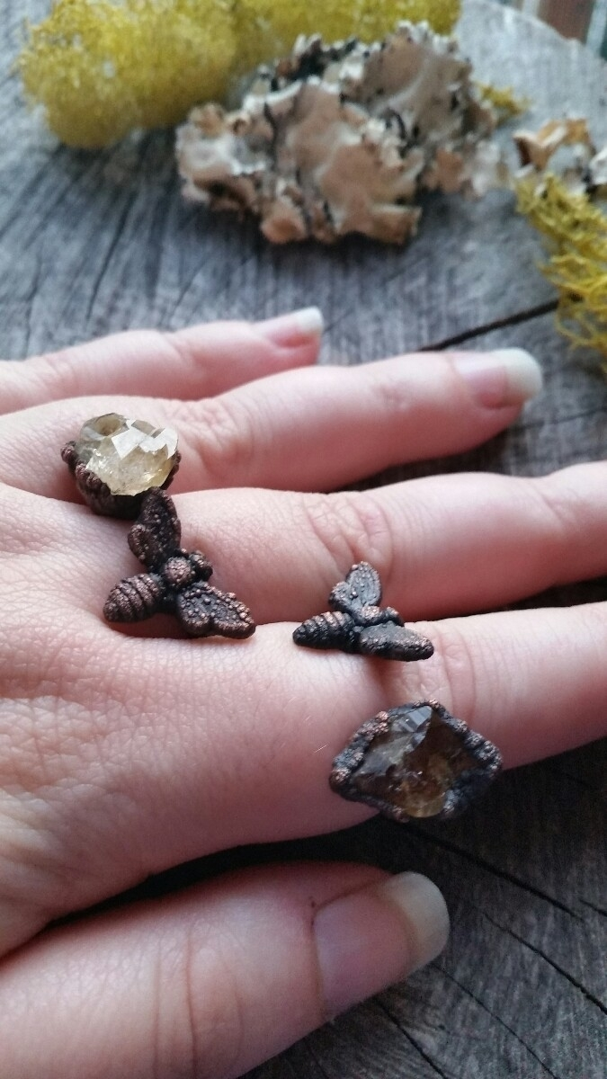 keeping Bees direction sunlight - augiebycarriejewelry   ello