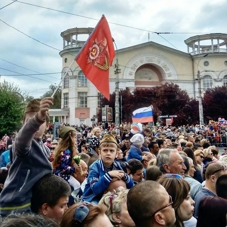 crimea, simpheropol, crowd, flag - kormin | ello