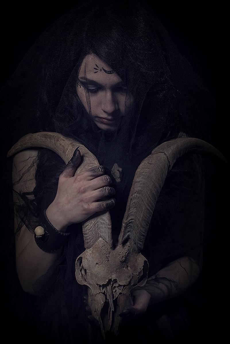 Arts Jewelry/Accessories:Créor - darkbeautymag | ello