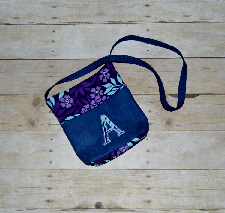 Applique Girls crossbody purse  - kattskreations | ello