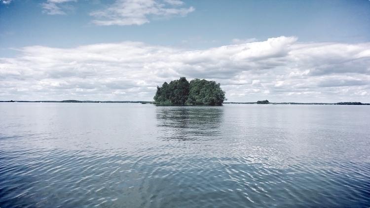 Connected middle nature - island - yogiwod | ello